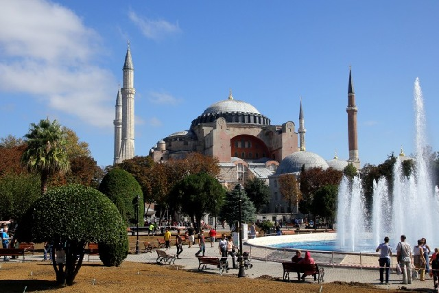 이스탄불에서 딱 한 곳만 방문한다면, 아야 소피아