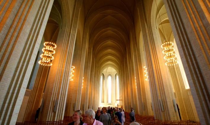 코펜하겐, 살구빛 일요일의 그룬트비히 교회