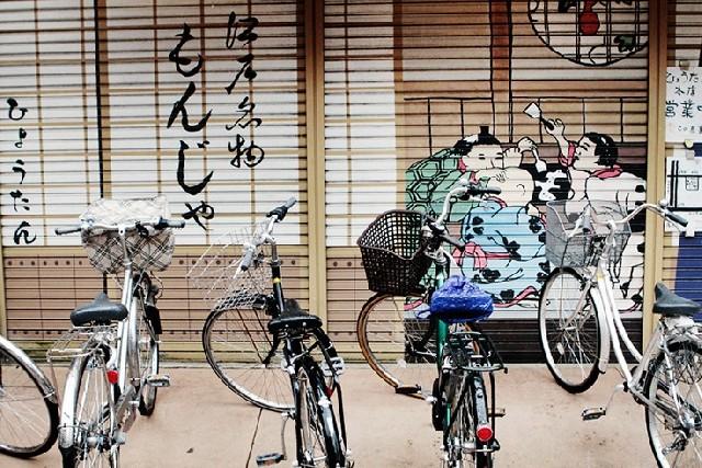 셔터문도 예술이다? 나카미세 거리 산책