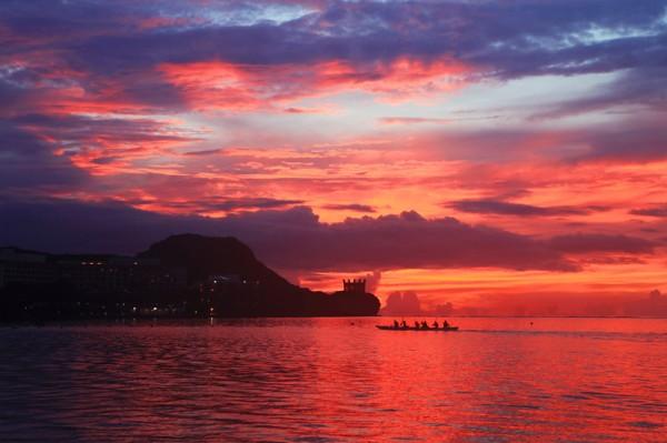 괌 투몬베이의 환상적인 선셋을 만나다.