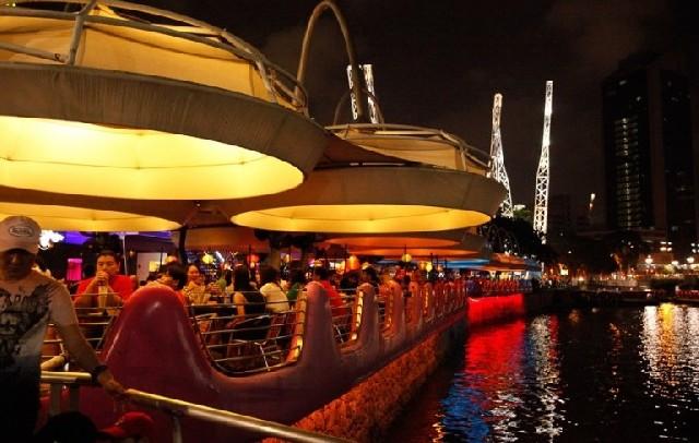 잠들지 않는 싱가포르 클락키의 밤!