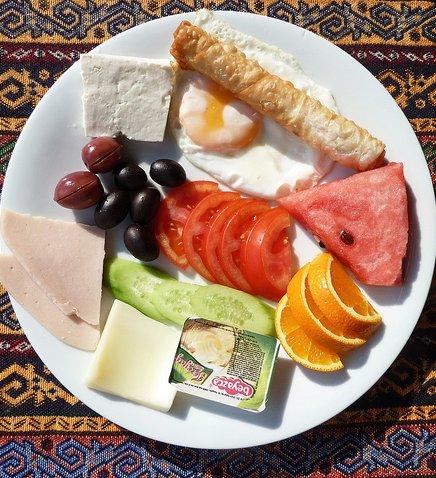 터키에선 아침에 뭘 먹을까? – 카흐발트!