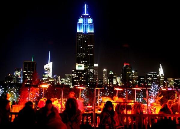 뉴욕의 로맨틱한 밤을 위한 루프탑 바!