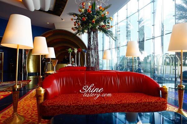 두바이 7성급 호텔 '버즈 알 아랍'의 럭셔리한 내부!
