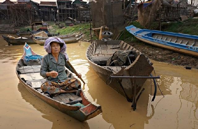 캄보디아 톤레삽, 호반 위의 영혼들