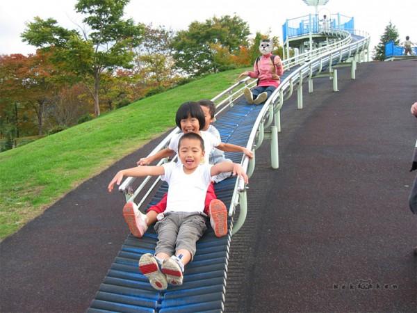 일본 단풍여행 #6 – 아이와 마음껏 뛰어놀수 있는 미치노쿠 공원