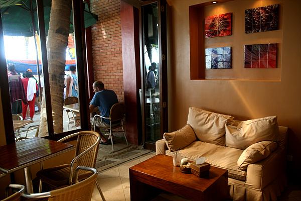즐겨라! 보라카이 시장과 카페