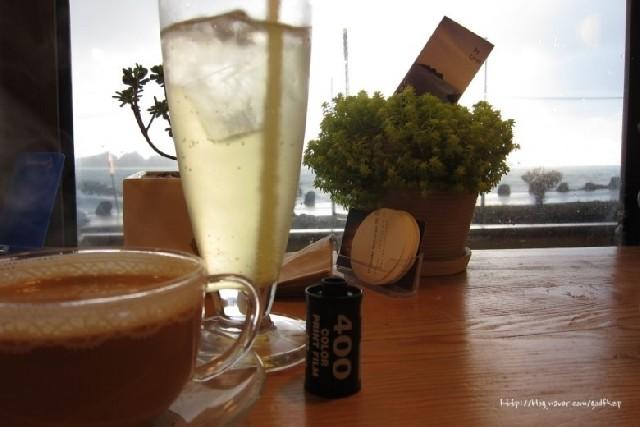 제주 신창리 해안도로 따라 커피 한 잔