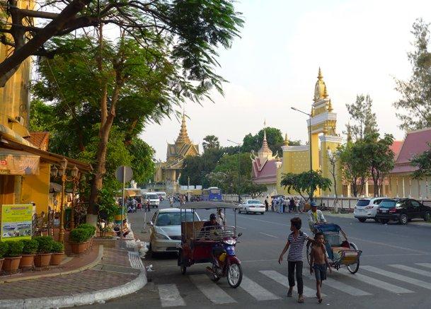 프놈펜 자유여행자에게 추천하는 핫플레이스