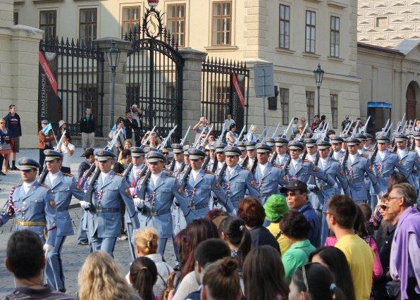 1100년의 역사, 체코 프라하성 산책하기