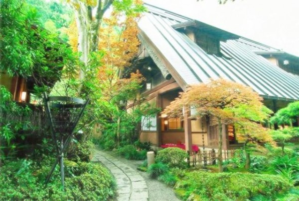 도쿄에서 40분, 숲속 요정(料亭)에 닿다.