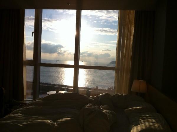 너와 함께 여수밤바다로, 여수 엠블 호텔