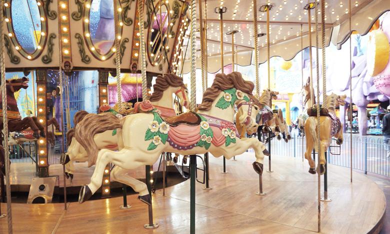 쇼핑몰과 놀이기구의 만남! 에드먼튼 쇼핑몰