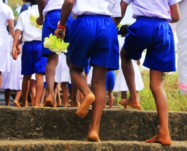 스리랑카 담불라 황금사원, 맨발의 순례자