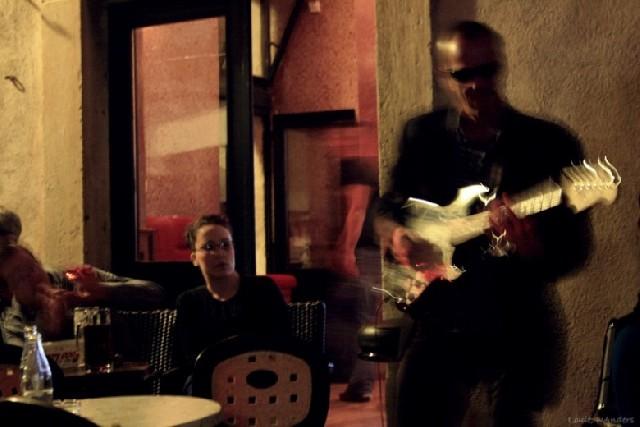 두브로브니크의 음유시인, 한밤의 재즈카페에서