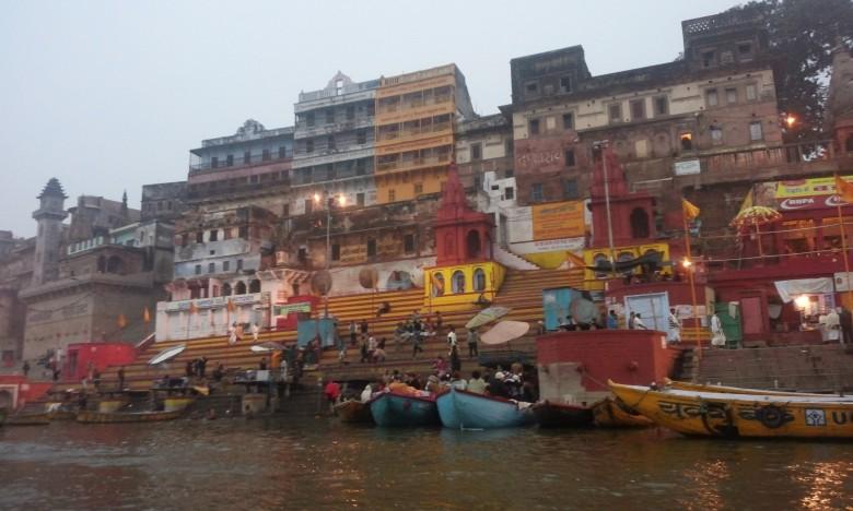 바라나시에서 있었던 일, '생과 삶이 공존하는 강가 River 에서'