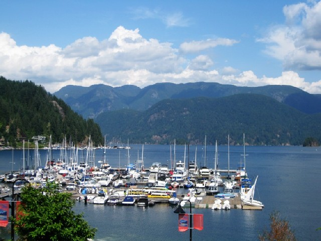 복잡한 밴쿠버 도심에서 벗어나 자연 속에서의 하루 어떠세요?
