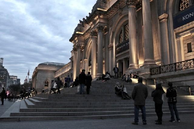 메트로폴리탄 뮤지엄 : 뉴욕에서 만나는 프랜치 시크  ' 자클린 드 리브 (Jacqueline de Ribes)' 의 특별 전시회