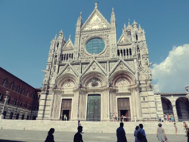 이탈리아의 소도시 여행 - 토스카나의 시에나 & 산 지미냐노