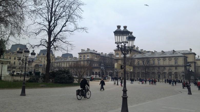파리를 제대로 느끼고 싶다면_파리 자전거 여행 1