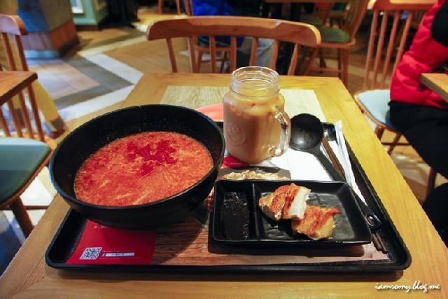홍콩 MISS, 미시엔 사워 스파이시 토마토 쌀국수