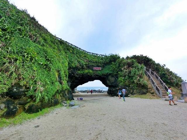 대만 북부 해안 드라이브, 거대한 바위문 스먼동(石門洞)