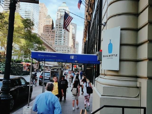 뉴욕에서 가장 핫한 라떼와 베이글, 점심으로 어때요?