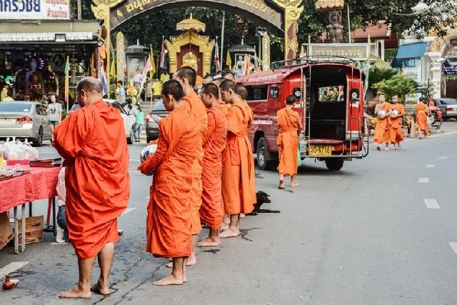 도이 수텝,  불교적 삶과 소원이 모이는 장소