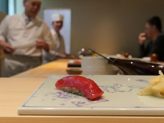 도시여행자 : 미슐랭 1스타 레스토랑 <오사카 쿠로스기>