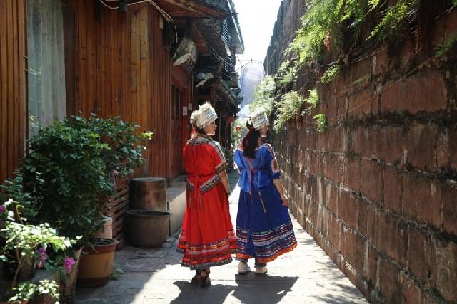 타임머신 타고 중국의 과거로, 봉황고성에서의 하루