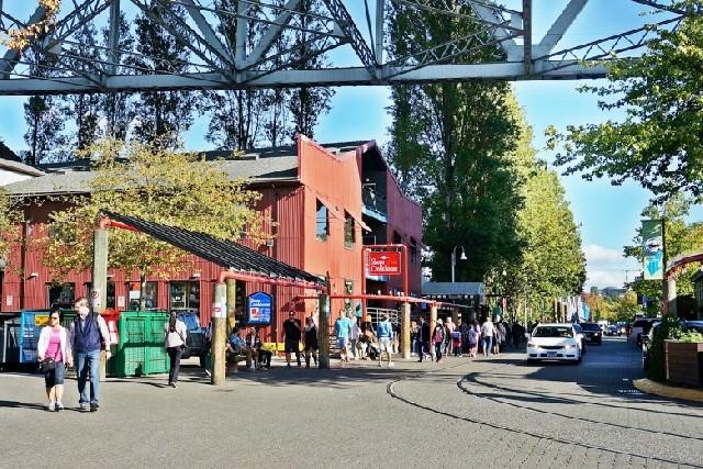 밴쿠버 그랜빌 아일랜드, 흥미진진 예술촌 & 퍼블릭 마켓